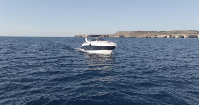 Boat rental Azimut Atlantis 39 in Ciutadella de Menorca on Samboat
