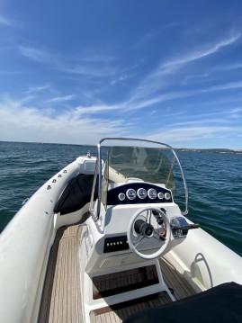 Boat rental Black Fin Blackfin 25 Elegance in Sète on Samboat