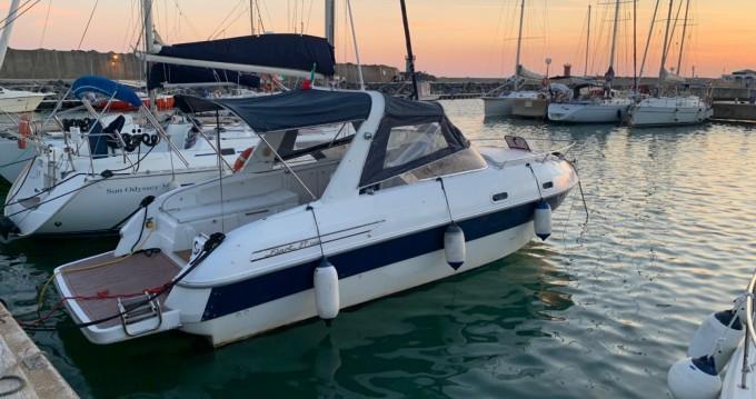 Boat rental Fiart Fiart 27 in Fiumicino on Samboat