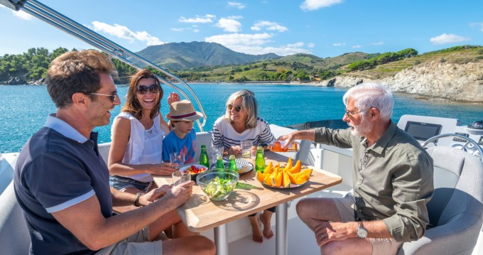 Rental Motorboat in Palma de Mallorca - Bénéteau Swift Trawler 41 Fly