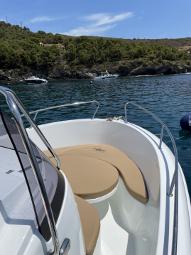Hire Motorboat with or without skipper Mareti Port de Roses