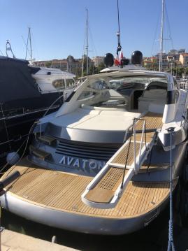 Boat rental Pershing Pershing 52 in Cannes on Samboat