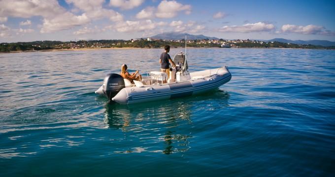 Boat rental Zodiac Pro Open 550 in Saint-Jean-de-Luz on Samboat