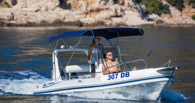 Boat rental Dubrovnik cheap Maestral 500