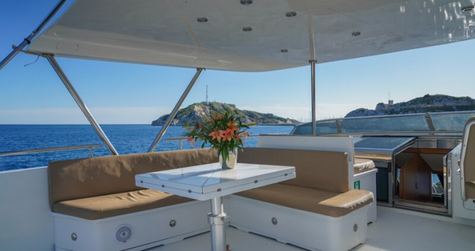 Rental Yacht in Porto-Vecchio - Mondomarine Mondomarine 82