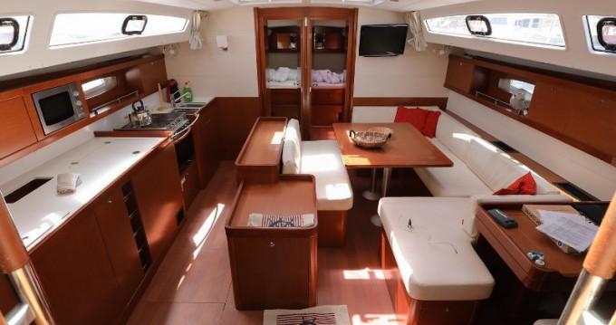 Rental yacht Lávrio - Bénéteau Oceanis 50 on SamBoat