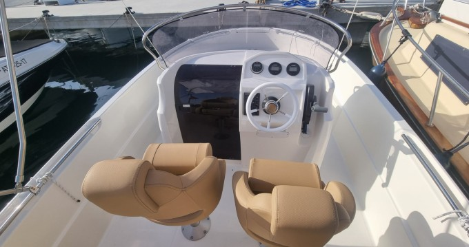 Rental Motorboat Remus with a permit