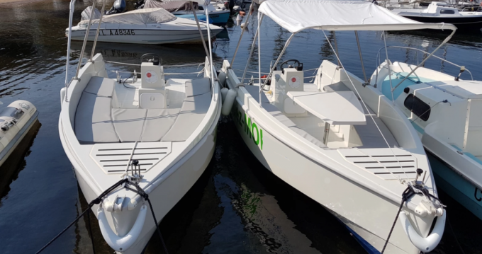 Rental Motorboat in Cannes - Solar Boat CA LAGON 55
