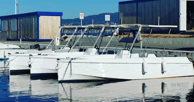 Rental Motorboat Solar Boat with a permit