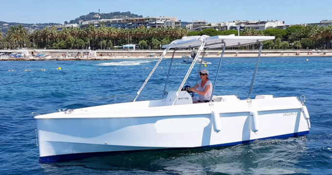 Rent a Solar Boat CA LAGON 55 Cannes