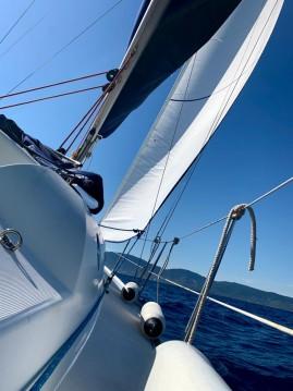 Boat rental Jeanneau Sun Odyssey 32i in Cavalaire-sur-Mer on Samboat