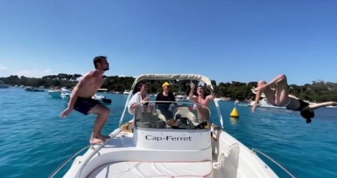 Motorboat for rent Antibes at the best price