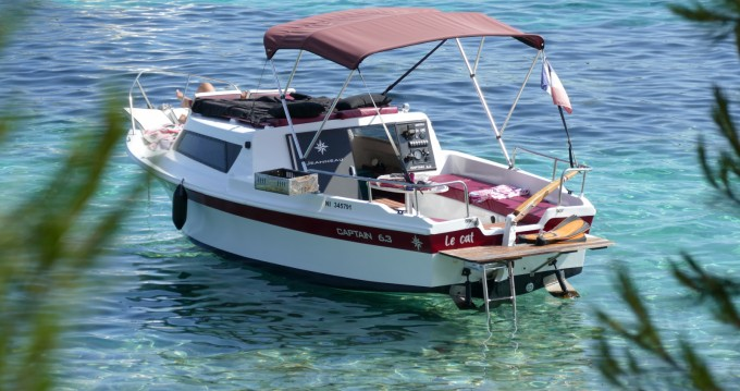 Rental Motorboat in Mandelieu-la-Napoule - Jeanneau Cap'tain