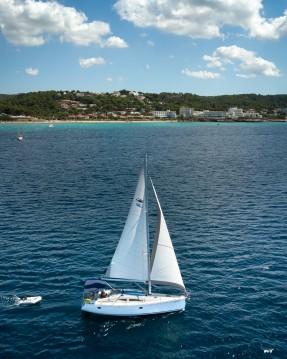 Rental Sailboat in Mahón - Elan Impression 384