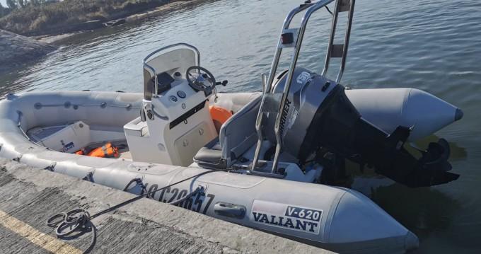 Boat rental Larmor-Baden cheap Valiant 620 Vanguard