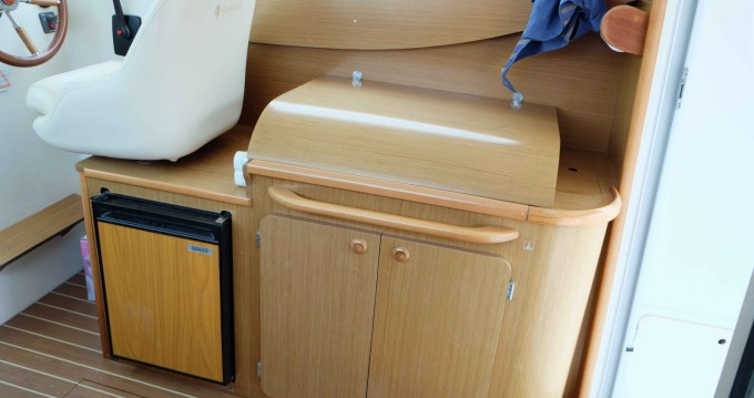 Rental Motorboat in Calanque de Port-Miou - Jeanneau Merry Fisher 8
