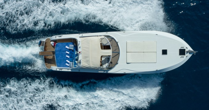 Boat rental Rizzardi Top Line CR50 in Cannes on Samboat