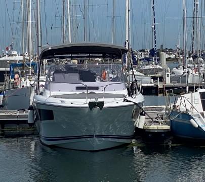 Rental yacht Larmor-Plage - Jeanneau Cap Camarat 9.0 WA on SamBoat