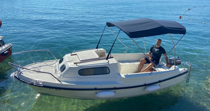 Boat rental Mlaka Sport Adria 500 in Vodice on Samboat