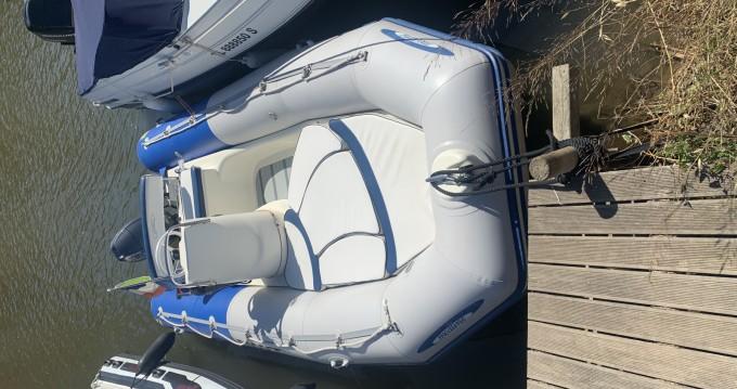 Boat rental Zodiac Medline 500 Sundream in Hyères on Samboat
