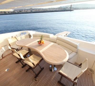 Boat rental Azimut Azimut 62 Fly in Cannes on Samboat