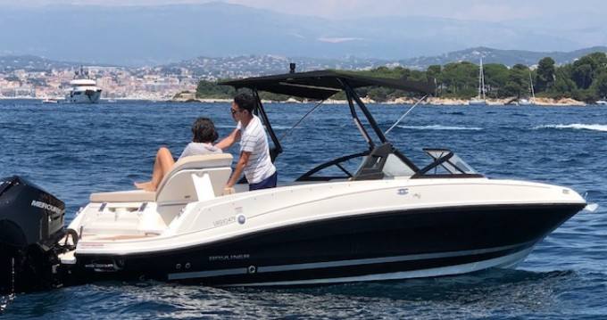 Bayliner VR6 - BOWRIDER between personal and professional Mandelieu-la-Napoule