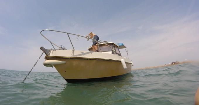 Boat rental Saintes-Maries-de-la-Mer cheap Alienor 680