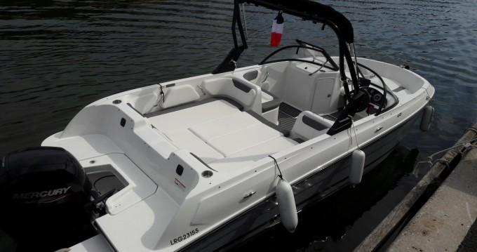 Rental Motorboat in Mandelieu-la-Napoule - Bayliner Element E7