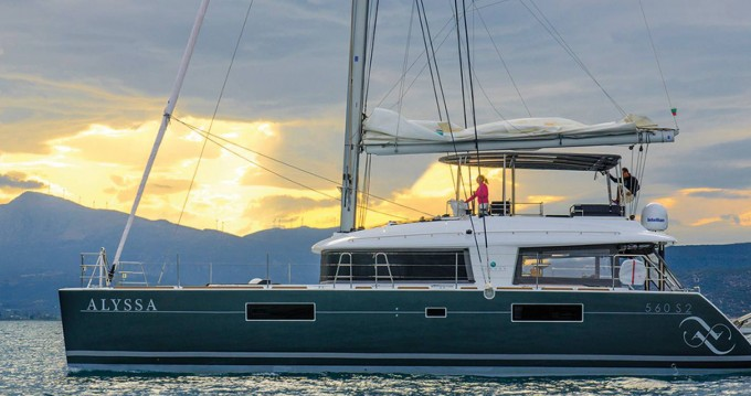 Boat rental Alimos cheap Lagoon 560 S2