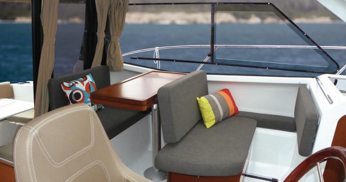 Rental yacht Saint-Cyprien - Jeanneau Merry Fisher 855 on SamBoat