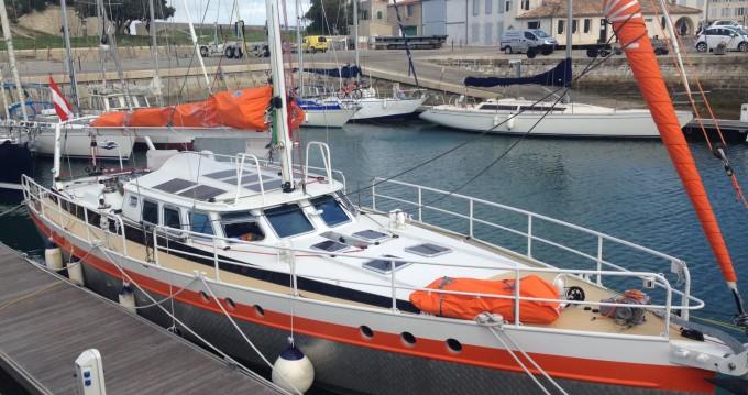 Boat rental Olbia cheap JPB 52