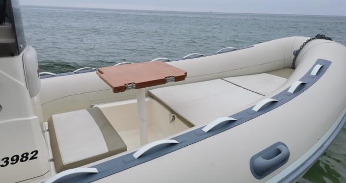 Boat rental Lomac Lomac 520 OK in Moëlan-sur-Mer on Samboat