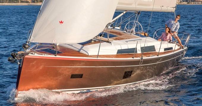 Rental yacht Lávrio - Hanse Hanse 388 on SamBoat