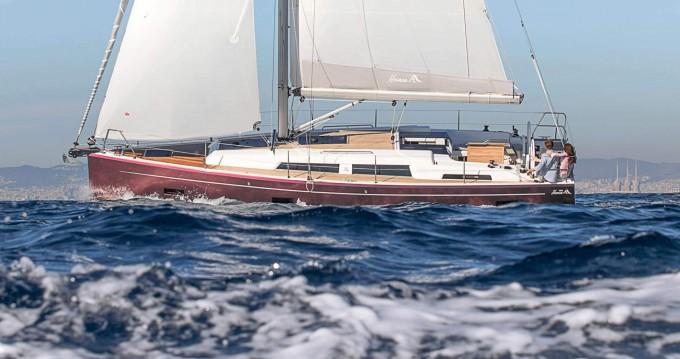 Rental Sailboat in Lávrio - Hanse Hanse 388