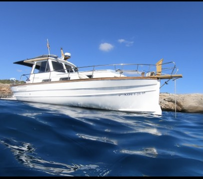 Hire Motorboat with or without skipper Menorquin-Yachts Spain