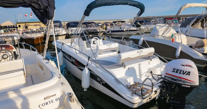 Hire Motorboat with or without skipper TRIMARCHI Salerno