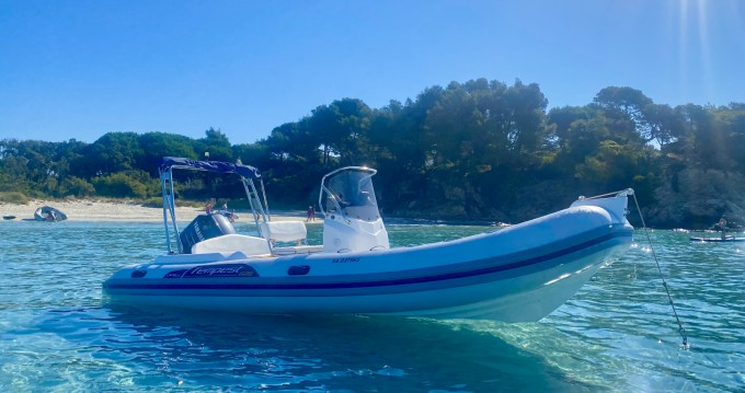 Boat rental Capelli Capelli 626 Luxe in La Londe-les-Maures on Samboat
