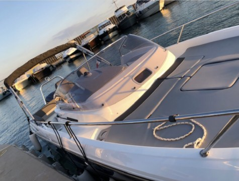 Hire Motorboat with or without skipper Jeanneau Port-Vendres