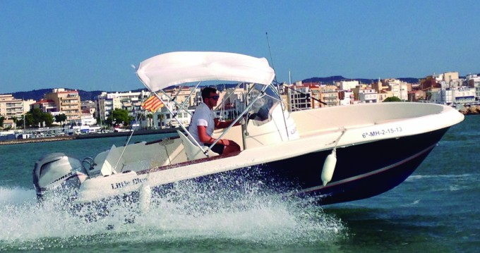 Motorboat for rent Platja d'Aro at the best price
