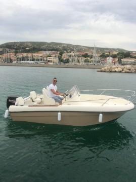 Rental Motorboat in L'Estaque - Jeanneau Cap Camarat 515