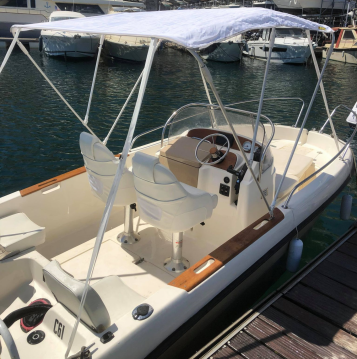 Boat rental Jeanneau Cap Camarat 515 in L'Estaque on Samboat