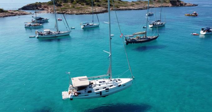 Rental Sailboat in Palma de Mallorca - Bavaria Bavaria 40 Cruiser