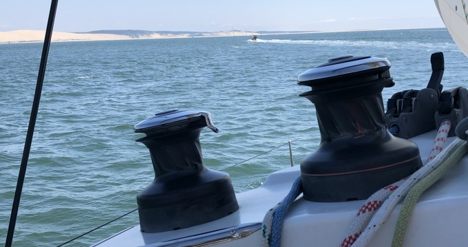 Hire Catamaran with or without skipper Lagoon Port d'Arcachon