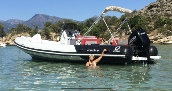 Rental yacht Saint-Raphaël - Zodiac Medline 740 on SamBoat