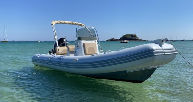 Rental yacht Quiberon - Zodiac Medline 660 on SamBoat