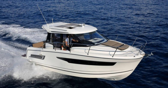 Jeanneau Merry Fisher 895 between personal and professional Port Cogolin