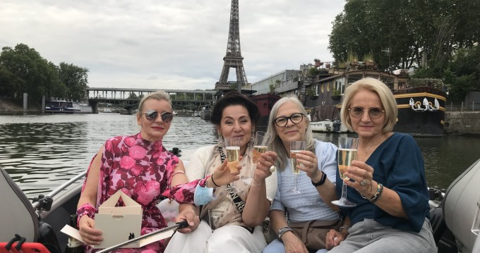 Boat rental Paris cheap 500