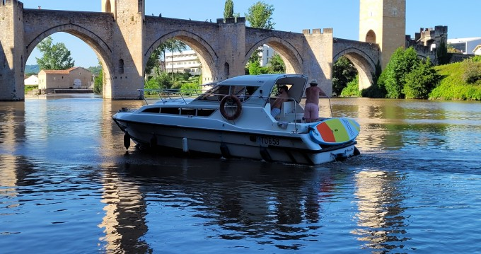 Hire Motorboat with or without skipper Le Boat Cahors
