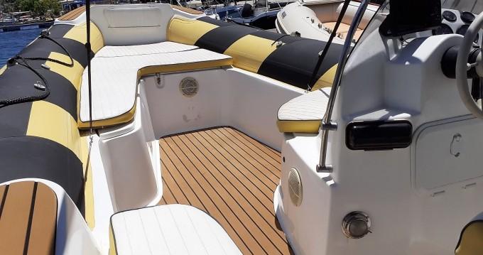 Rental Motorboat in Lefkada (Island) - Rib 750