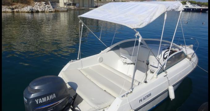 Rental yacht L'Estaque - Bénéteau Flyer Viva 5.90 on SamBoat